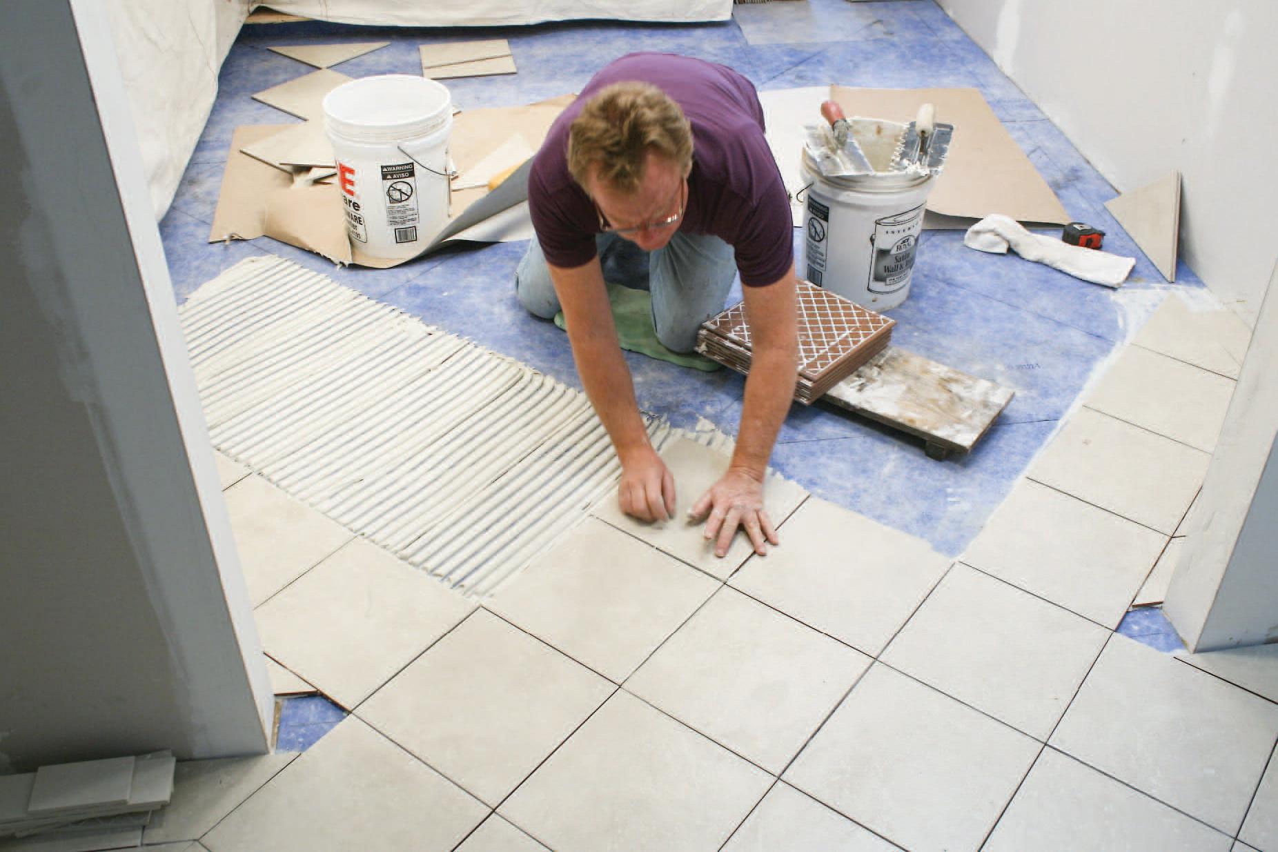 Укладка плитки на пол своими руками. Как правильно выложить 24